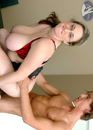 squirting fat bengali moms image
