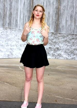 Lila Frey jpg 7