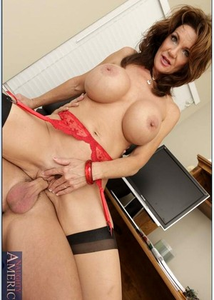 Myfriendshotmom Deauxma Rare Housewifes Graphics