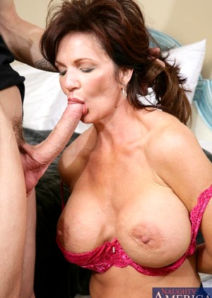Myfriendshotmom Deauxma Updated Housewifes Wifi Sex