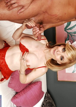 Myfriendshotmom Nina Hartley Instance Access Pussy Licking Heaven