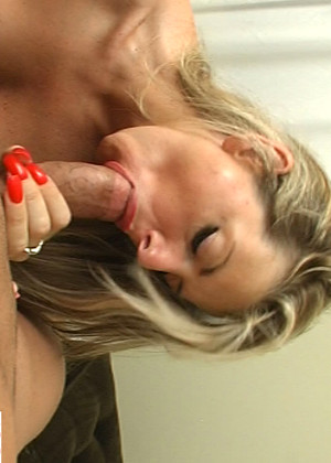 Myxxxpass Vicky Vette Mobile Swallow Style