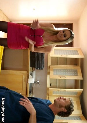 Naughtyamerica Abbey Brooks Absolute Busty Housewife Sexbeauty