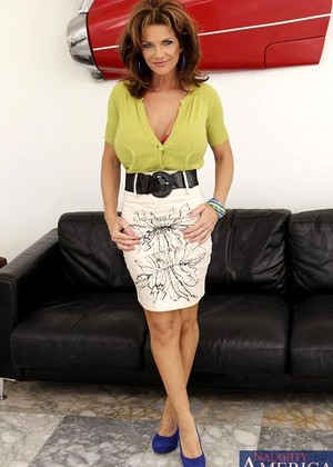 Naughtyamerica Deauxma Juicy Cougar Xxxpicture