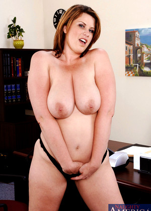 Naughtyamerica Lisa Sparxxx Hdef Thick And Busty Pornostar