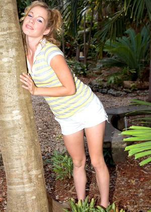 Brooke jpg 10