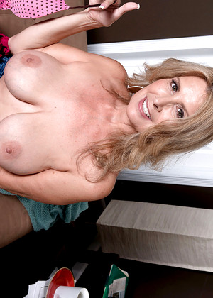 Sexy brooke lee adams fucts ugly mike for employment 420 - 1 part 6