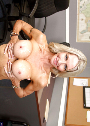 Naughtyoffice Emma Starr Desirable Milf Expert