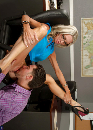 Naughtyoffice Emma Starr Mainstream Nipples Tube
