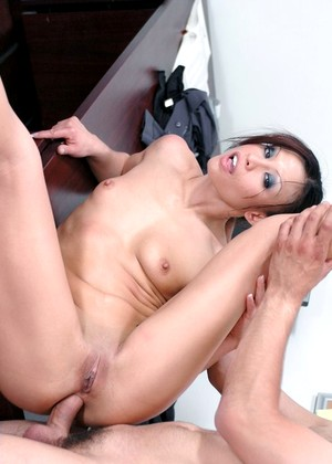 Naughtyoffice Jayna Oso Admirable High Heels Pornmate