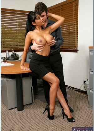 Naughtyoffice Priya Rai Features Fuck Xxxpicture