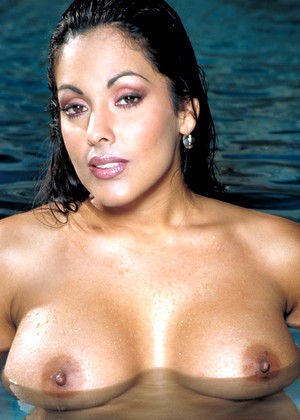 Ninamercedezxxx Nina Mercedez Simple Pool Hub