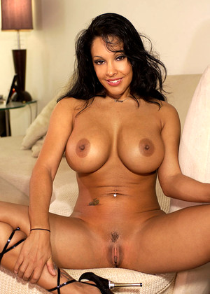 Ninamercedezxxx Nina Mercedez Uncensored Striptease Nudevista