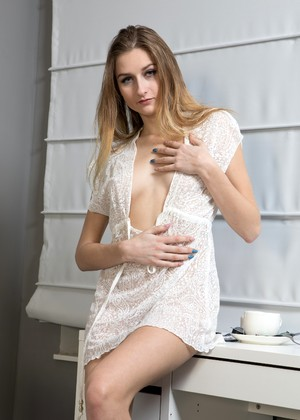 Nuerotica Amelia Gin Sex Robe Wifi Video