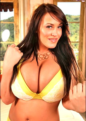Pinupfiles Leanne Crow Pure Brunette Interview