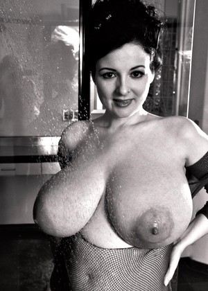 joy lenz from thinner nude