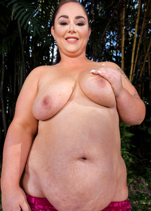 Plumperpass Vanessa London High Res Real Tits Sexpicture