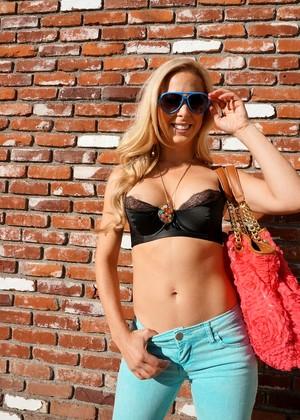Erotic Summer Brielle Softcore