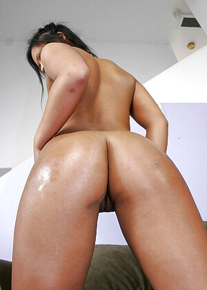 Christina Aguchi jpg 10