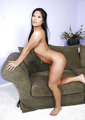 Christina Aguchi jpg 14