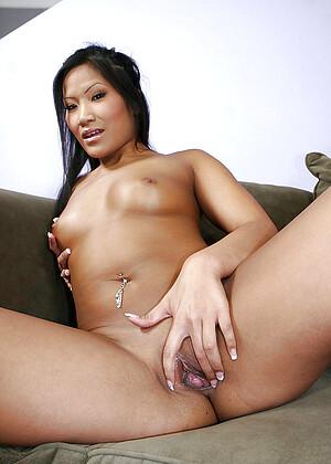 Christina Aguchi jpg 15