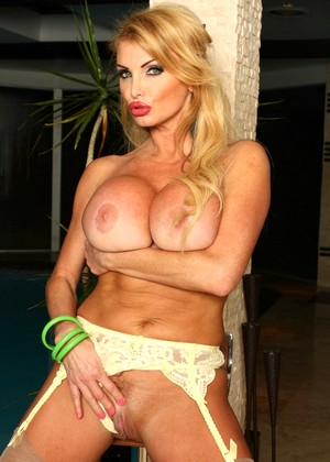 Pornstarlegends Taylor Wane Popular Teen Ig