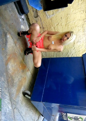 Povlife Stacie Andrews Absolute Blonde Garden
