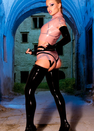 Private Liliane Tiger Exciting Latex Seximage