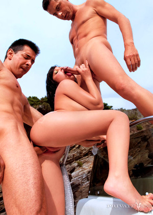Private Rebeca Linares Massive Latinas Tweet