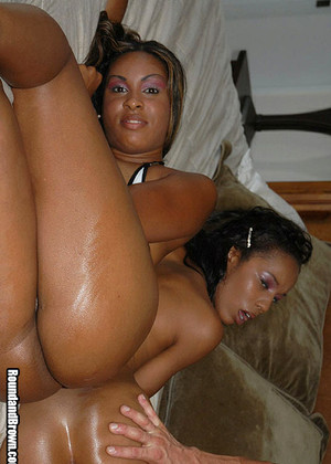 Roundandbrown Roundandbrown Model Many Blowjob Mobilexxx
