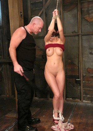 Sexandsubmission Mindy Main Extreme Bdsm Sex Mobi Pics