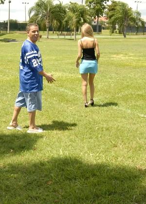 Fifteen lessons team sports teach kids