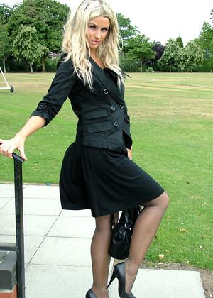 Stiletto Girl Stilettogirl Model Mainstream Legs Livefeed