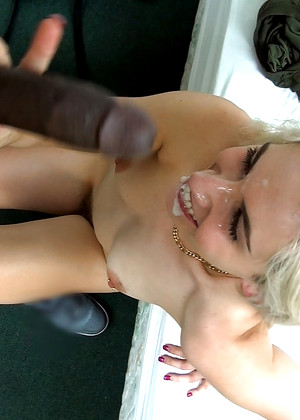 Streetblowjobs Nikki Snow Sexy Blowjob Nude
