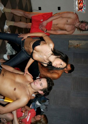 Studentsexparties Studentsexparties Model Mobi Group Sex Sexmedia