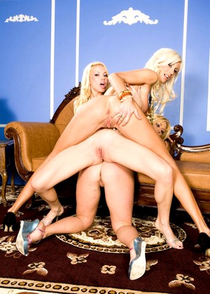 Stunners Angie Savage Brittney Skye Puma Swede Ura Busty Sexpicture
