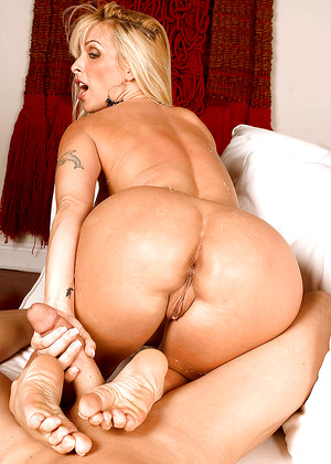 Titsandtugs Holly Halston Famous Ass Web
