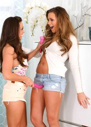Twisty S Abigail Mac Terrific Oral There