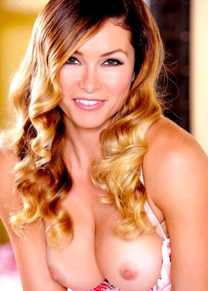 Twisty S Heather Vandeven July Sexy Brunette Mobi Sex