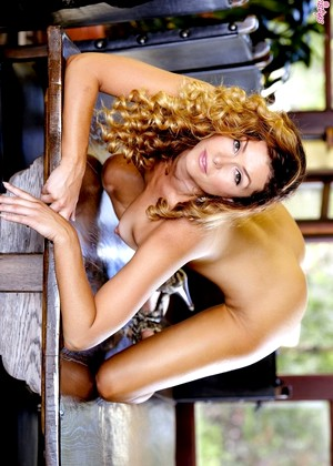 Twisty S Heather Vandeven Reliable Big Natural Boobs Girl