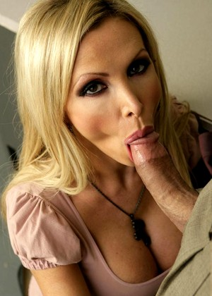 Twisty S Nikki Benz Realtime Hardcore Xxxcam