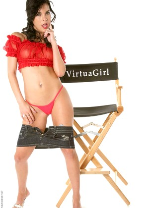 Virtuagirlhd Nelli Hunter Exclusive Brunette Garden