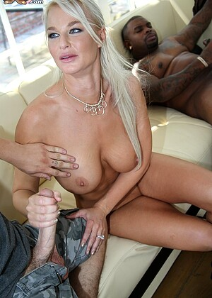 Watchingmymomgoblack Dee Williams London River Sample Blonde Xxxlmage