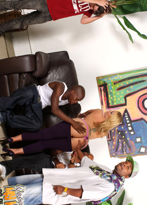 Watchingmymomgoblack Flower Tucci Hottest Hardcore Interracial Video