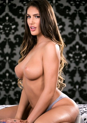 Webyoung August Ames Abella Danger Prince Teen Bra Sexypic
