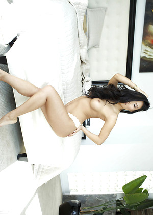 Wicked Asa Akira Look Clothed Mobilepicture