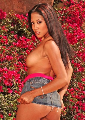 Wickedpictures Lily Thai Comprehensive Outdoor Pin Xxx