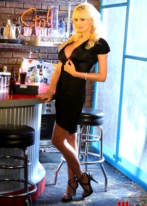 Wickedpictures Stormy Daniels Cutting Edge Blonde Tube