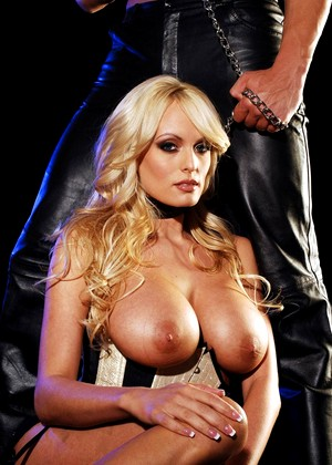 Wickedpictures Stormy Daniels Warm Fetish Mobi Vr
