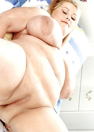 sex hd mobile pics xl girls lou lou hello saggy tits series